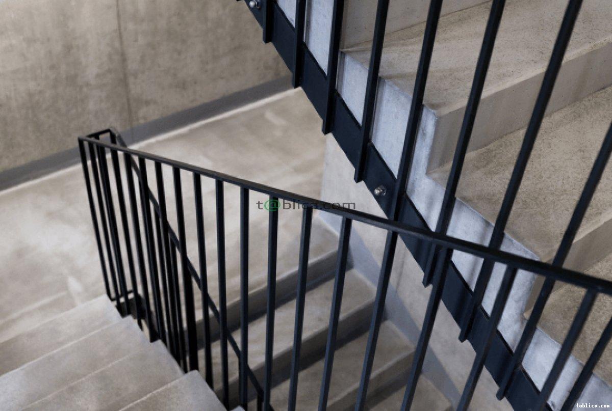 Balustrady, bramy, płoty metalowe: produkcja i montaż