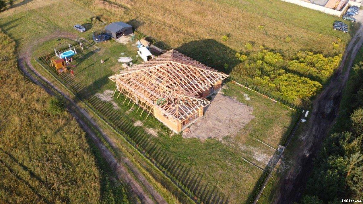 Wiązary, prefabrykowane konstrukcje dachowe, dźwigary,