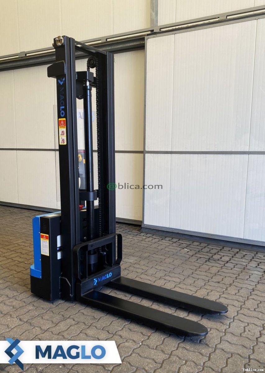 Akumulatorowy wózek podnośnikowy Maglo 1,5 T 3,3 M