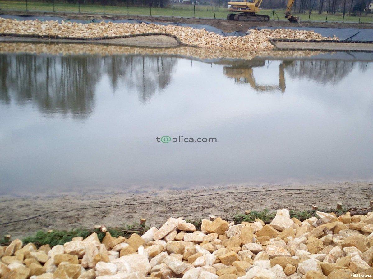 Kamień na skarpy ziemne staw oczko wodne strumyk