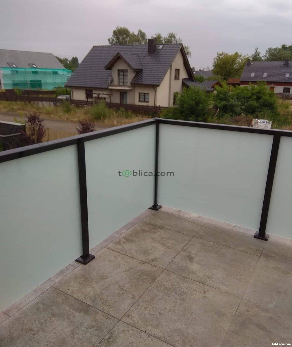 Balustrady aluminiowe nowoczesne INOX szkło montaż