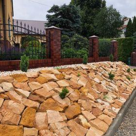 Kamień ogrodowy dekoracyjny na skalniak skarpy grilla